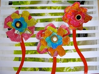 mixed media flowers: Recycled Flowers, Crafts Ideas, Fine Line, Art With Newspaper, Buttons Projects, Art Ideas, Kids Art, Recycled Magazines, Art Projects