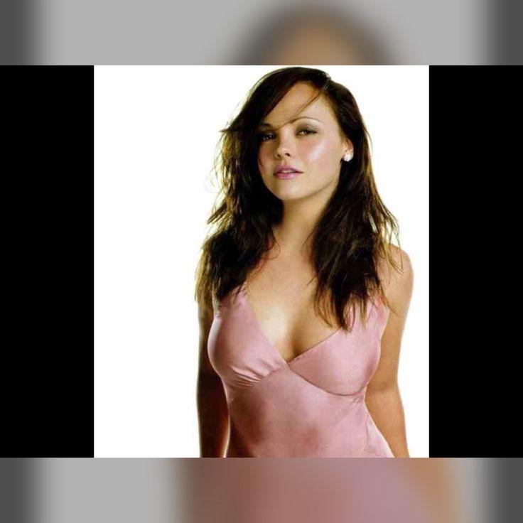 Christina Ricci - #metalcore #Hellraiser #Sun #Moon #Mars #Jupiter #Jessicka #poikatytöt #Helloween #goth #Troma #indie #arthouse #EU27 #Gojira #punk #noituus #Nostalgie #Ram #Mesha #Aries #Kreeft #Cancer #Karka #Leeuw #Leo #Simha #Vissen #Pisces #Meena #Erasmus #Europeseunie #Feminisme #Europeans #EuropeanUnion #Brexit #Trump #Femen #WillWright #Θεσσαλονίκη #tomboy #Thessaloniki #Sims2 #Coimbra #Amadora #Braga #Portugal #Portekiz #Yunanistan #Selanik