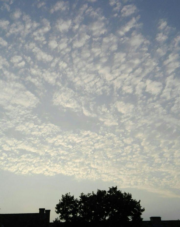 Felhők az ablakból