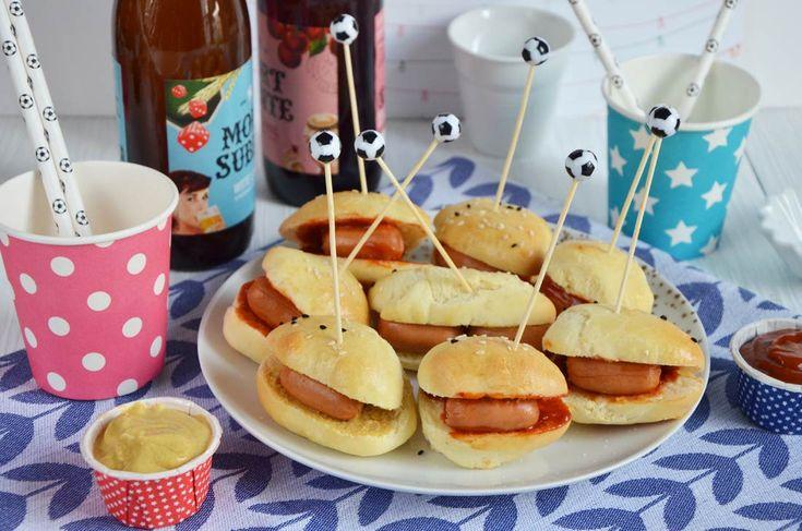 Mini hot dogs pour l'apéro http://turbigo-gourmandises.fr/mini-hot-dogs-pour-l-apero/