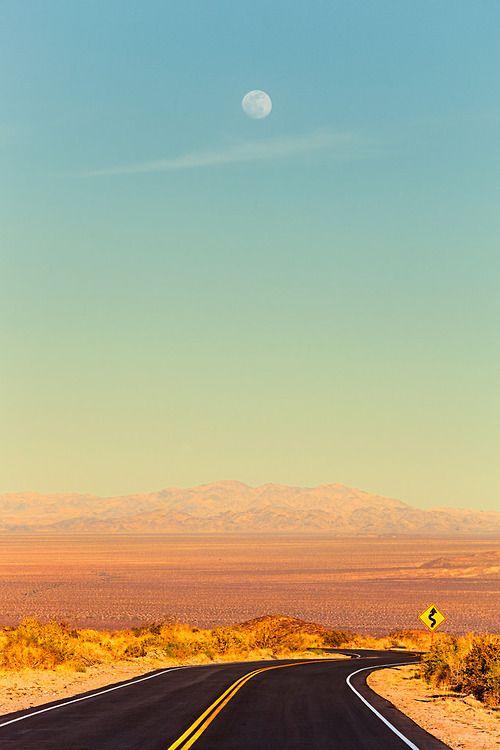 Desert Highway (by [ raymond ])
