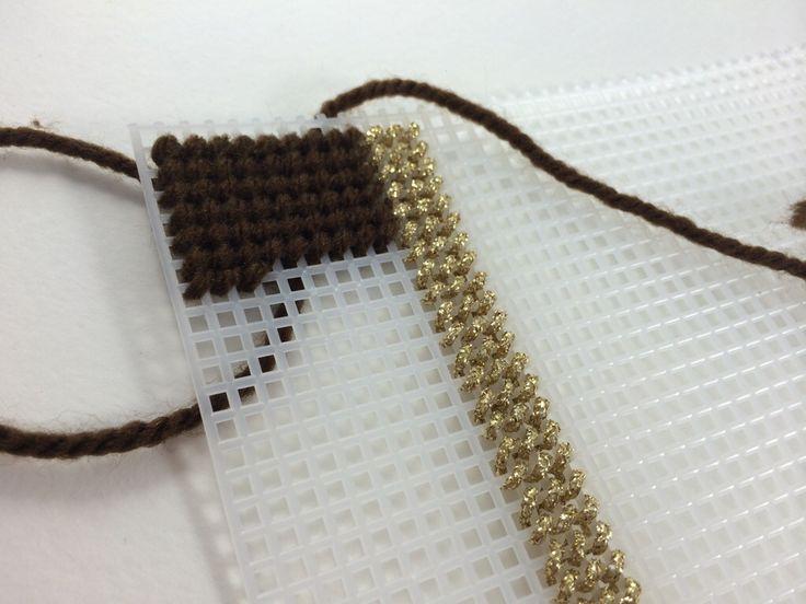Borduren op plastic stramien en canvas