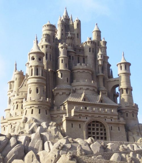 .What an amazing sand castle