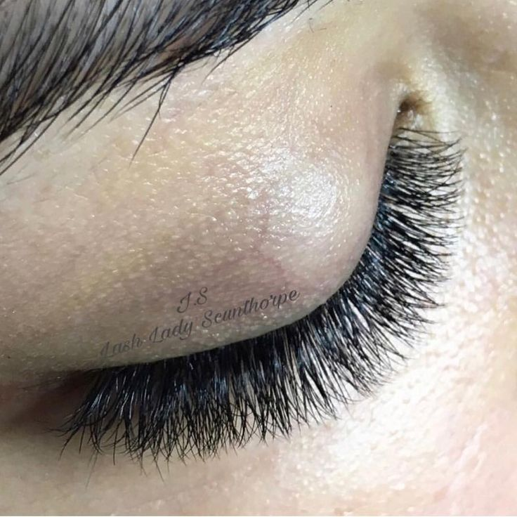 """Short Volume look """"When was the last time when you did a set of short eyelash extensions?  amazing natural set by…"""""""