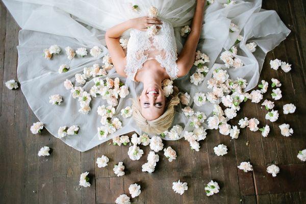 Que tal uma foto assim nas bodas de flores?