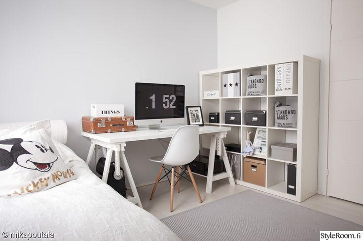 työpiste,kirjahylly,työpöytä,vierashuone,työhuone