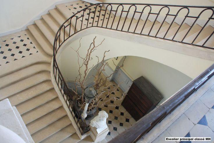 chateau de montgobert - le grand escalier