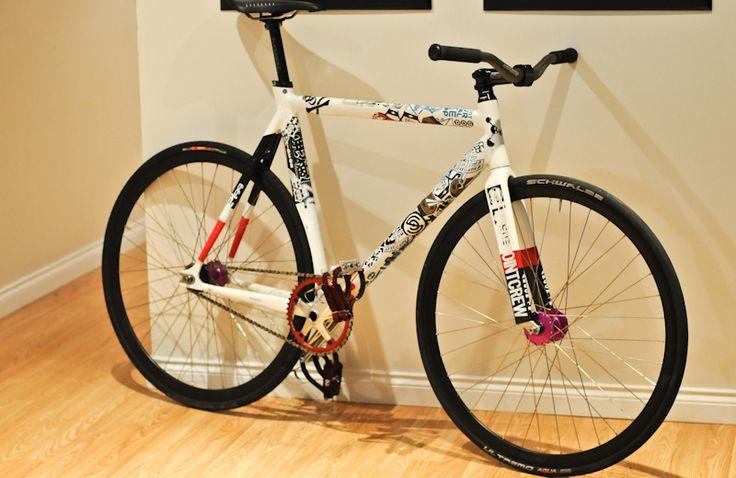 die besten 25 fahrradrahmen lackieren ideen auf pinterest bike garage hausfarbengestaltung. Black Bedroom Furniture Sets. Home Design Ideas