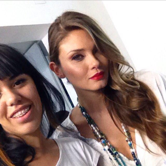 Con la modelo Karen Kerreño moda modelo peinado ondas glamuroso suelto
