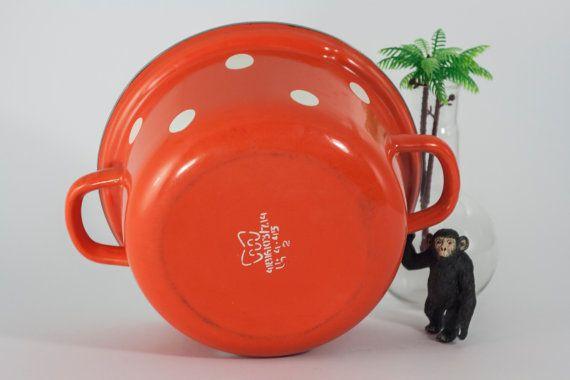 Vintage Kitchen Enamelware Vintage enamel pot by yesterdaysgaze