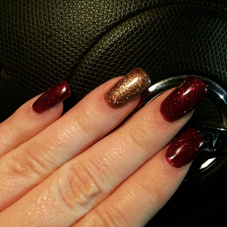Bluesky shellac in ruby&rose gold christmas nails
