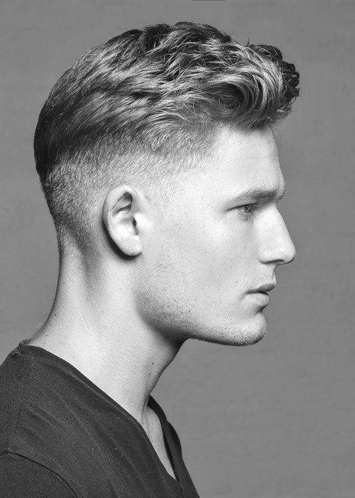 Cortes de pelo y peinados para hombres 2015: Cabello corto tupe lado rapado