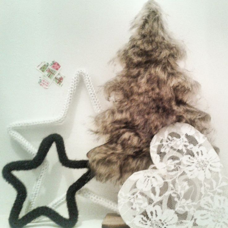 Christmas decoration furry tree star heart black and white lace handmade xmas Now in store www.isaenbila.nl