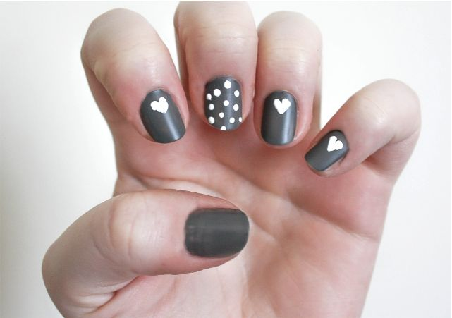 Pretty Matt Heart Nail Art #nails #nailpolish #mani #beauty #beautyblog #beautyblogger #mani #nailart #nailpolish