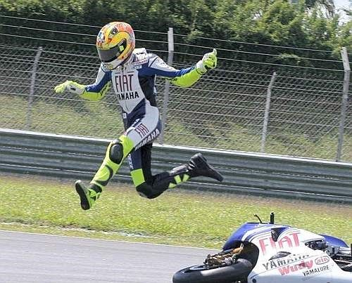 Moto Gp crash | MotoGP Sepang test: Valentino Rossi explains first Bridgestone crash