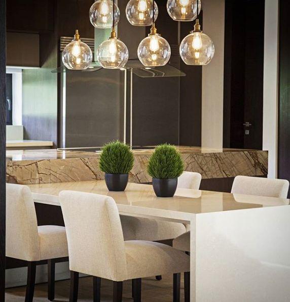 Total funcionalidad en espacios integrados...  #deco #interiorismo #diseñointerior #decoradores #arquitectos #homedesign #instahome #decolovers #arqlovers #ciudadempresarial #adrianahoyoschile