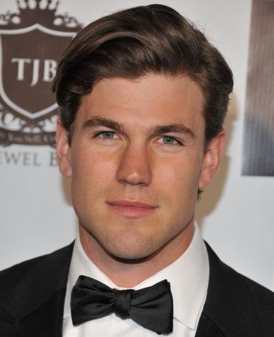stowell guys Other guys in attendance at the event included beach rats' harris dickinson 12 strong's austin stowell, dead of summer's ronen rubinstein.