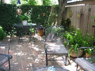 1000 images about townhouse outdoor space on pinterest for Small townhouse garden design ideas