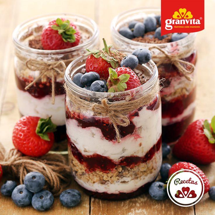 #Receta: Hojuelas de Avena Granvita frías con moras y plátano.   Perfecta para desayunar al día siguiente.