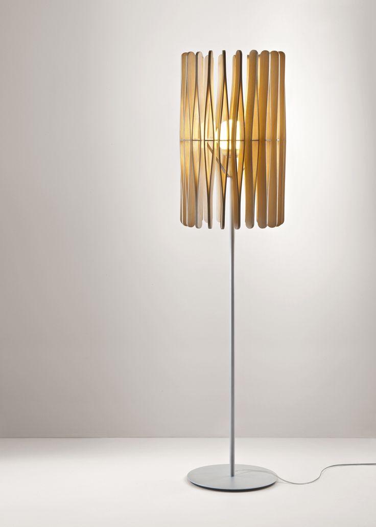 Stick Floor Lamp  - напольный дизайнерский светильник. Лампа. Торшер. Деревянный светильник.
