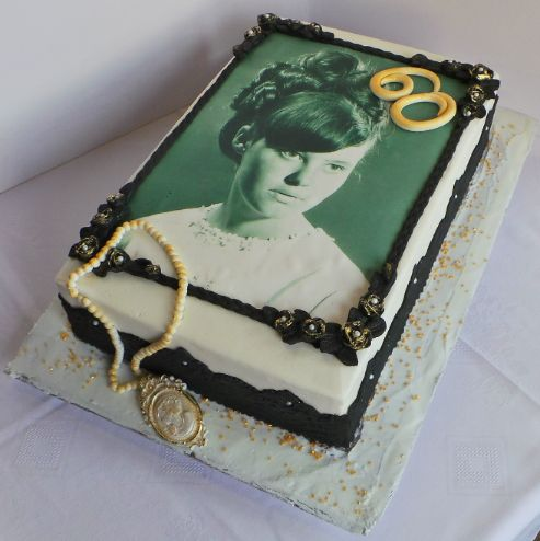 Fondant Cake Designs For 60th Birthday : 1000+ images about 60 th birthday ideas on Pinterest