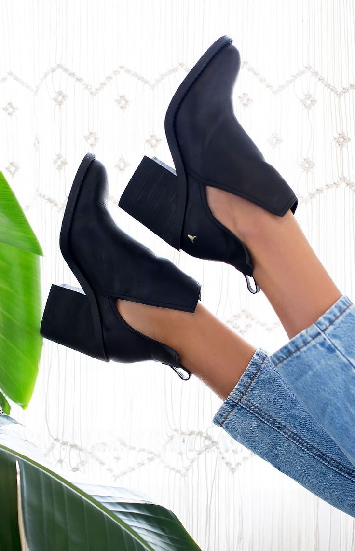 FESTIVAL ESSENTIAL! Windsor Smith Sharni Boots | Beginning Boutique #BBFEST #beginningboutique
