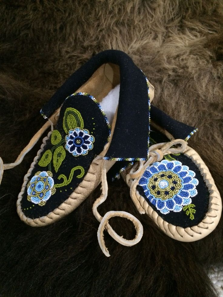 Moccasins beaded by Laurie Southerton 2014