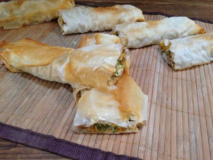 Gli involtini di pasta fillo e verdure sono dei croccanti rotolini di pasta che…