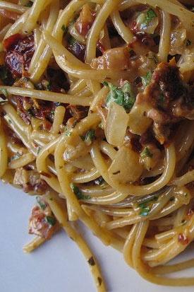 Sun-Dried Tomato Pasta: Creamy Pasta, Mom Birthday, Pasta Italian, View Recipes, Food Pastarama, Favorite Recipes, Bacon Pasta, Tomatoes Pasta, Recipe Sides