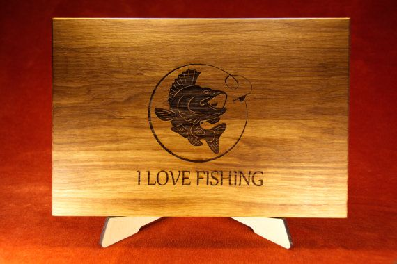 Unique Fisherman gift for men. Best gift idea for Father Day - engraved Cutting Board with Fish Design. Gift for husband, Gift for Chief, for Chef, for him. Choose the type of wood - cherry, maple, oak, walnut, elm. FREE: juice groove, beeswax finish, gift wrapping, note card. Shipping by AVIA. Schneidebrett, planche à découper, tabla de cortar, まな板 Anniversary, anniversario, Jahrestag, compleanno, anniversaire記念日