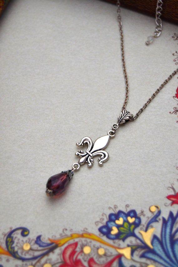 Fleur de lis necklace Silver fleur de lis jewelry by ValkyriesSong €13.50