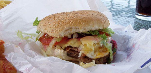 """Efectele consumului de """"junk food"""" asupra sanatatii"""