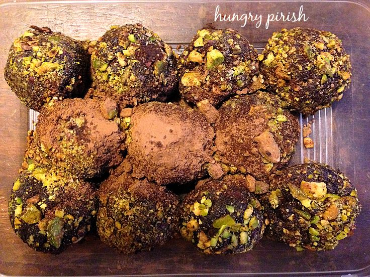 Power up you day with this yummy and healthy power date balls - also known as Chocolate Nut and Date Truffles. Recipe here: http://www.hungrypirish.com/chocolate-nut-date-truffles/