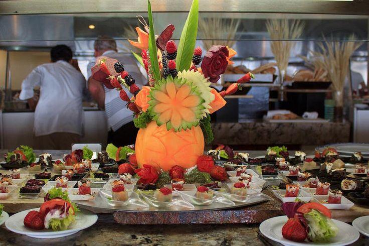 Закуски от шеф-повара в ресторане Асуль отеля Гранд Велас Ривьера-Майя…  http://rivieramaya.grandvelas.com/russian/