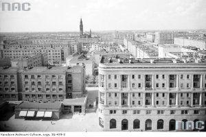 Muranów, dzielnica na gruzach dawnej Warszawy [PRZEWODNIK TOP 10]