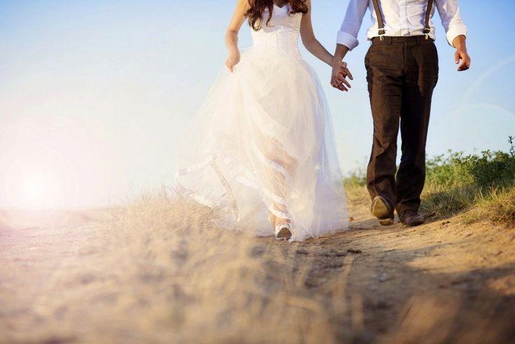 Ha szeretünk valakit, elgyengülünk. Kiszolgáltatottak leszünk. Megalázhatóak. Gyakran vesztesek is. Egy szerelemben mindig az veszít többet, aki...