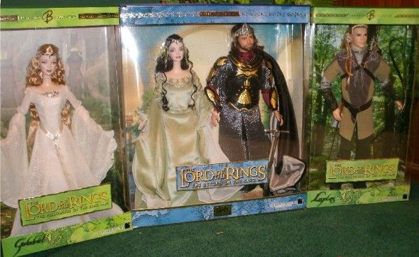 LOTR Barbies and Kens (Legolas is the prettiest, heh). So sad they never made Eowyn and Faramir.