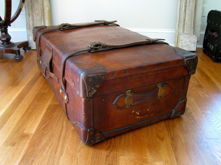 97 Best Antique Travel Trunk Images On Pinterest Antique Trunks Old Trunks And Steamer Trunk