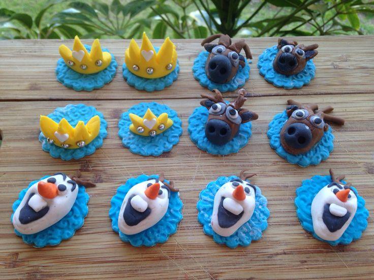 Frozen fondant cupcake toppers
