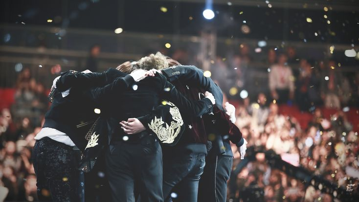 161203 | BTS | MAMA | Mnet Asian Music Awards | Best Artist of the Year | DAESANG | i can't believe they improved so much | they grew up so well i am p r o u d | let's fly with our wings in 2017 as well | © justdoeat_jin