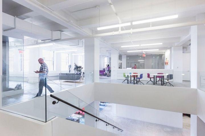 Освещение в современном офисе. Подвесной светильник CAMELOT