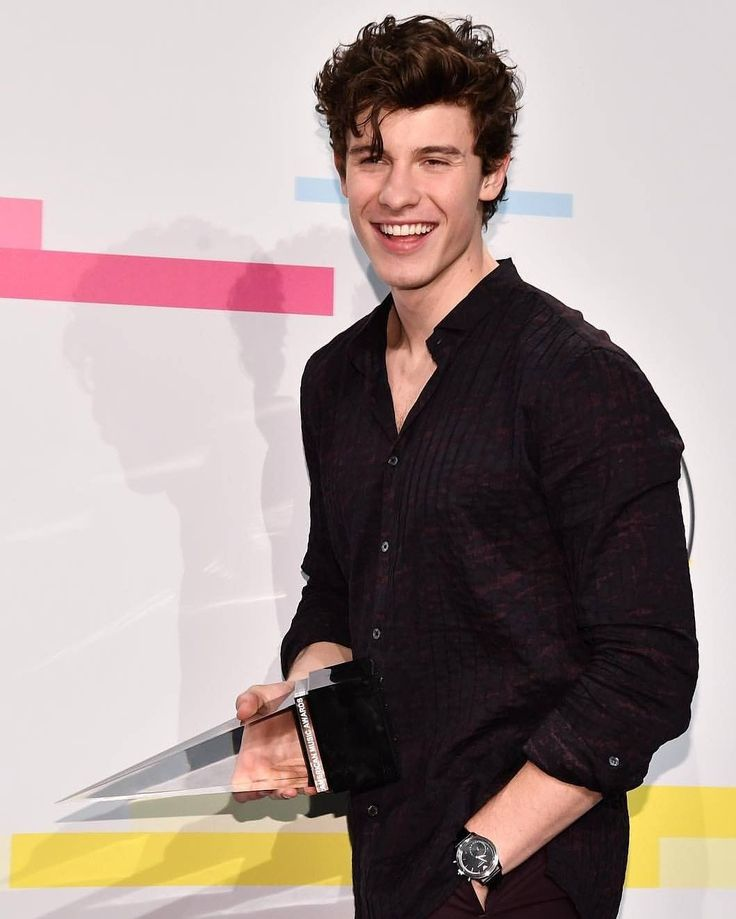 """148 Likes, 2 Comments - Shawn Mendes (@_muffinarmy) on Instagram: """"gorgeous  #mendesarmy #shawnmendes"""""""