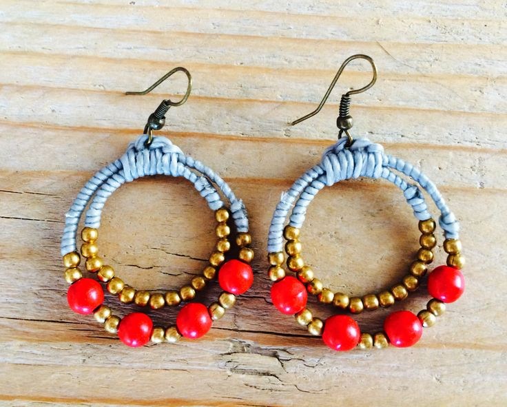 Red Beads with golden little beads, in waxed grey cotton. Save to ware, Nickel and Lead free. €12,50