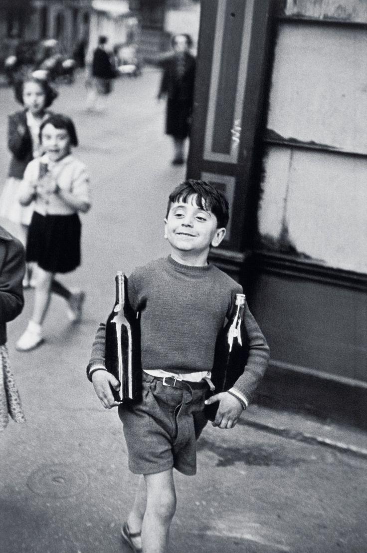 Henri Cartier Bresson - Rue Mouffetard   Oeuvre d'Art en Vente Artsper