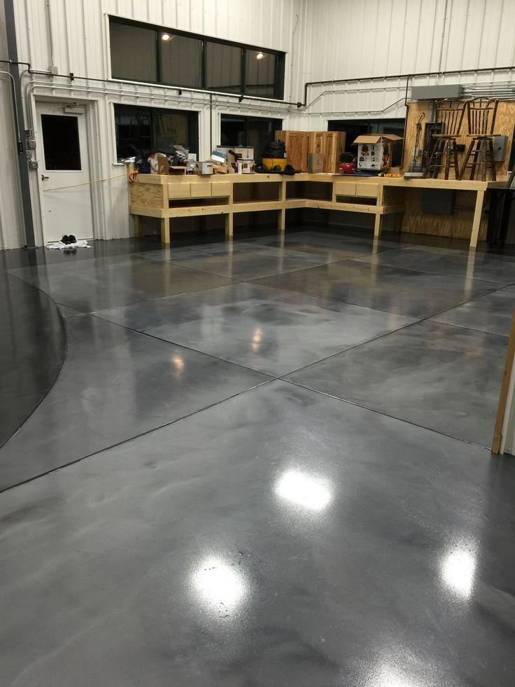 Metallic epoxy floor coatings with epoxy grout lines by