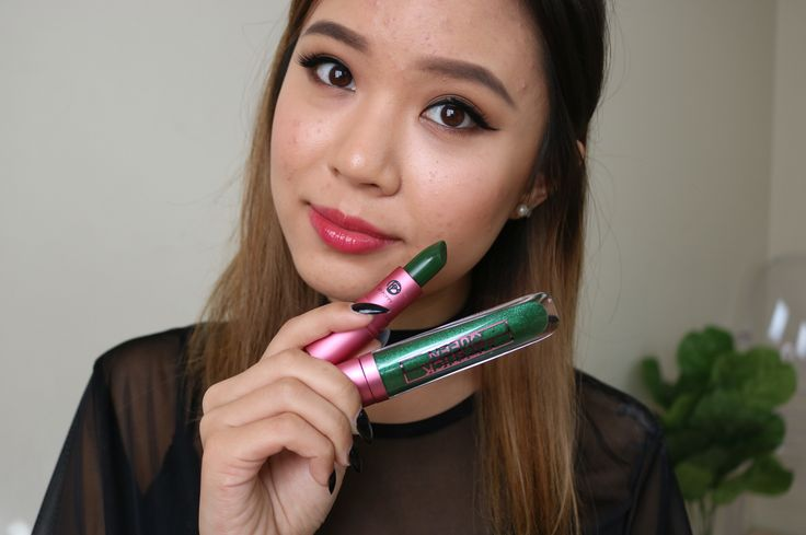 Green colour changing lipstick and lipgloss! Review is on my channel now :) link is in the bio
