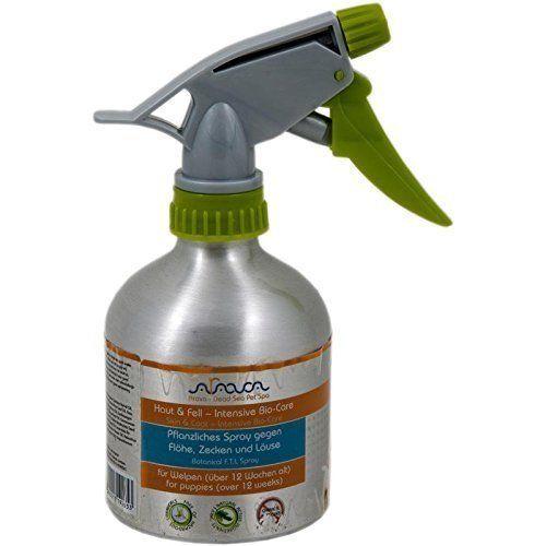 Aus der Kategorie Floh-, Läuse-, & Zeckensprays  gibt es, zum Preis von EUR 37,48  Arava Hunde pflanzliches Spray Welpe gegen Flöhe, Zecken, Läuse 300ml   Zur Behandlung von Welpen mit Floh- oder Zeckenbefall. Verschafft sofortigeLinderung bei Insekten- und Ungezieferbissen.   Gebrauchsanweisung: Betroffene Hautpartie freilegen und Spray großzügig auftragen. Sind Gesicht, Schnauze, Nase, Ohren oder Augenpartie betroffen, vorsichtig auf die Fingerspitzen sprühen und betroffene Stellen…