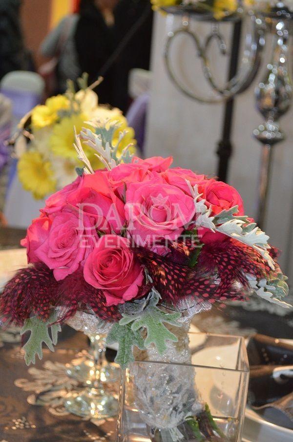Un aranjament floral special creat pentru Targul Ghidul Miresei la care am participat in septembrie 2013.