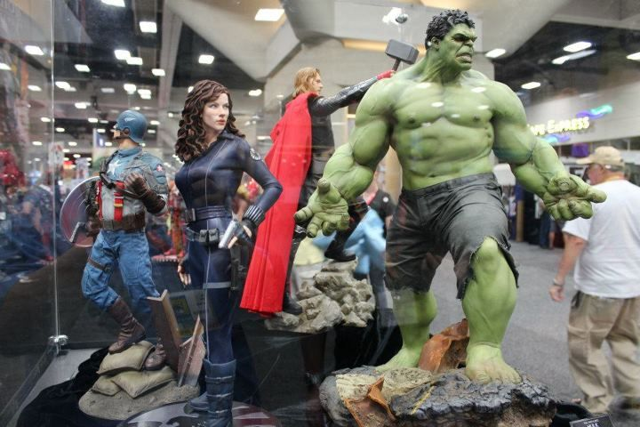 Avengers movie statues: Avengers Movie, Comic Con, Movie Statues