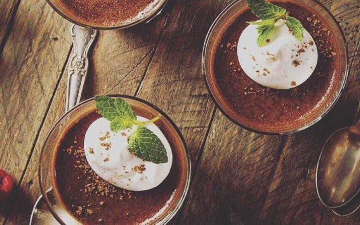 Après tout, c'est dimanche! Pourquoi pas vous gâtez en mangeant une #mousse au #chocolat?🍫